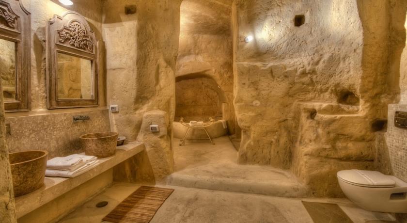Dormire nel sasso barisano matera materalink for La roccia arredo bagno